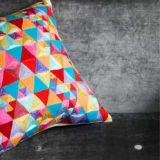 Coussin brodé TRIANGLES